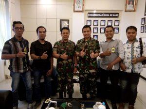 Danlantamal IV Laksamana Pertama R. Eko Suyatno saat menyambut kunjungan Ikatan Wartawan Online (IWO) Tanjungpinang.