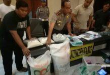 Kapolres Tanjungpinang saat ekspos kasus oplos beras di Mapolres Tanjungpinang, beberapa waktu lalu