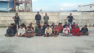 Tim WFQR menangkap 15 orang tak dikenal dari atas pompong yang diduga melakukan pencurian dari sebuah tongkang