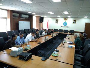Rombongan IWO saat diterima Ketua Dewan Pers, diruang pertemuan utama Dewan Pers, di Jakarta