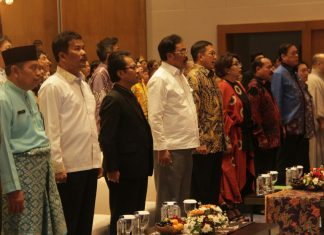 Menteri Agama Lukman Hakim hadiri doa bersama umat Budha di Batam
