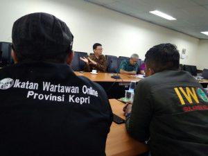Tim perumus AD/ART IWO dari perwakilan Kepri, di gedung Dewan Pers, Jakarta