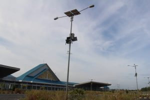 Inilah lampu jalan yang dibangun di pelabuhan internasional Dompak, Tanjungpinang