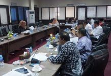 Komisi III saat uji kepatutan dan kelayakan para calon Komisioner KPID Kepri, pada Selasa (24/10).