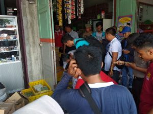 Tim Satgas Ketahanan Pangan Natuna memeriksa barang disejumlah toko (dok suluh kepri)