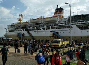 KM Bukit Raya tiba di pelabuhan Kijang, Bintan