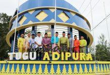 Tugu Adipura di kota Kijang, kabupaten Bintan