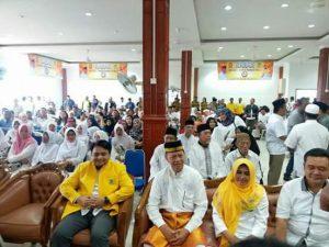 Paling depan dari kiri: Ketua DPD II Golkar Tanjungpinang Ade Angga bersama Syahrul dan Rahma