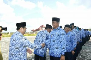 Bupati Bintan Apri Sujadi bersama ASN dilingkungan Pemkab Bintan