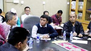 Wakil Bupati Bintan Dalmasri Syam saat memimpin rapat