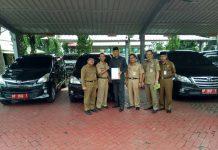 Wakil Wali Kota Tanjungpinang Syahrul saat mengembalikan 3 mobil dinas ke Pemko Tanjungpinang