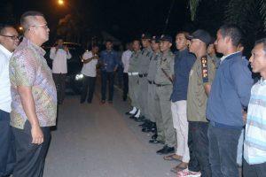Bupati Apri saat memberikan pengarahan kepada anggota Sat Pol PP Bintan