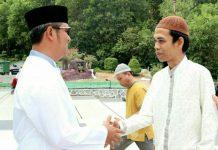 Bupati Bintan Apri Sujadi dan Ustadz Abdul Somad