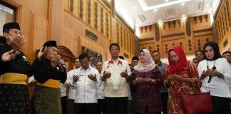 Wagub Kepri Isdianto di Bandara RHF, Tanjungpinang