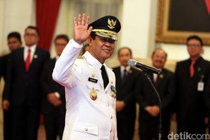 Isdianto saat dilantik sebagai Wagub Kepri oleh Presiden Jokowi (ft detikcom)