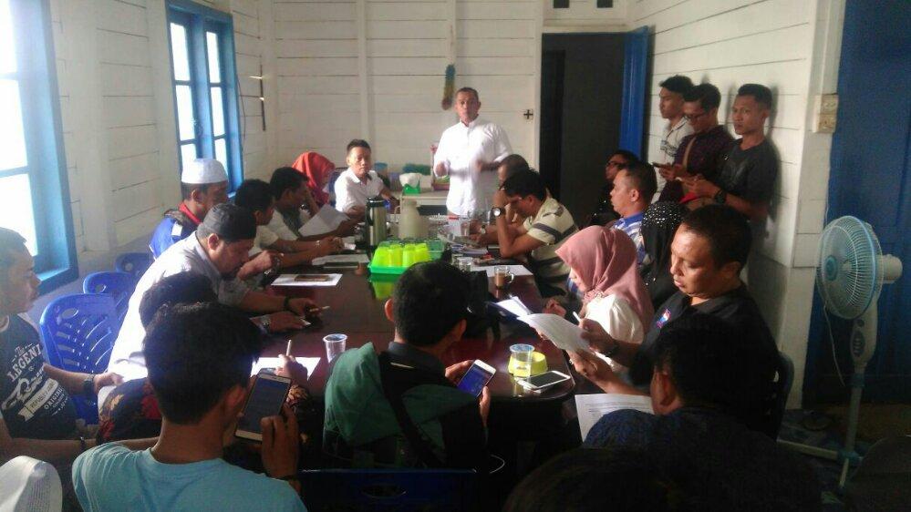 Tim Perumus Forum Keprihatinan Masyarakat Kepri (FKMPK) menggelar pertemuan perdana, Rabu (14/3), di Posko FKMPK, Batu 3,5, Tanjungpinang.