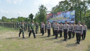 Gubernur Kepri Nurdin Basirun saat Irup pembukaan TMMD ke-101 di Karimun