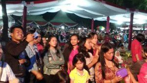 Para pengunjung festival