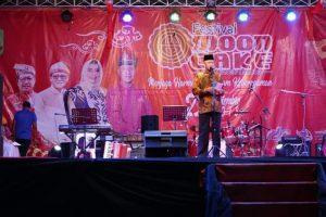 Walikota Syahrul saat berpidato di acara Festival Moon Cake (Kue Bulan)