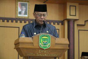 Walikota Syahrul saat menyampaikan pidato pada paripurna pengesahan Perda perubahan ABPD 2018 Tanjungpinang