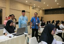 Walikota Syahrul saat memantau pelaksanaan tes CPNS Kota Tanjungpinang