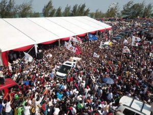 lautan manusia di Mega Wisata Ocarina saat menyambut Capres Prabowo