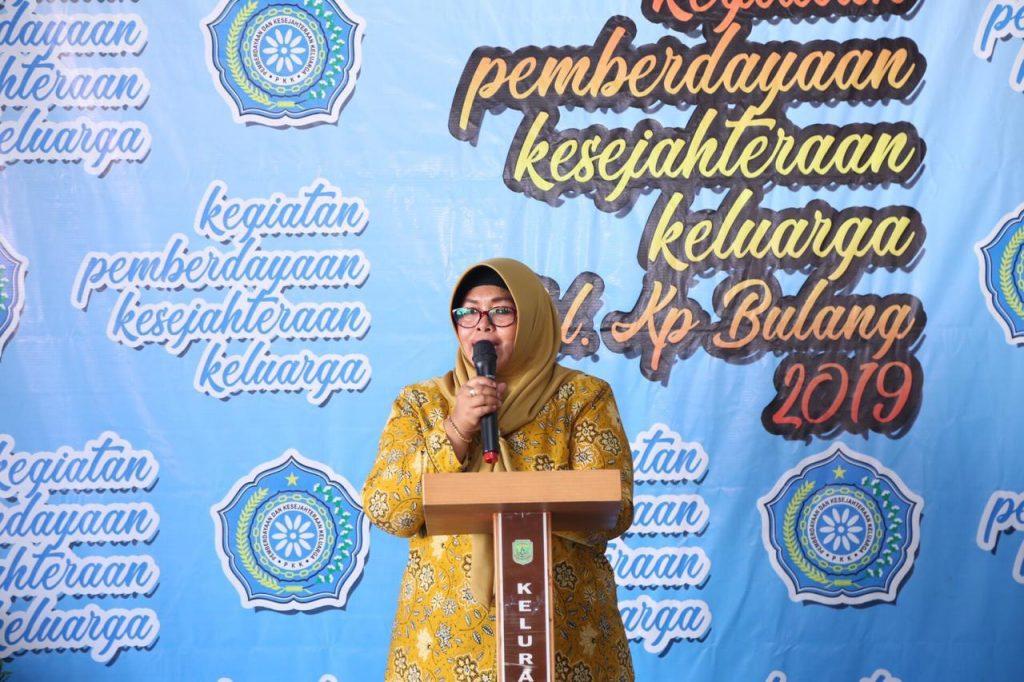 Ketua TP PKK Tanjungpinang Juwariyah Syahrul di acara lomba PKK Kelurahan Kampung Bulang